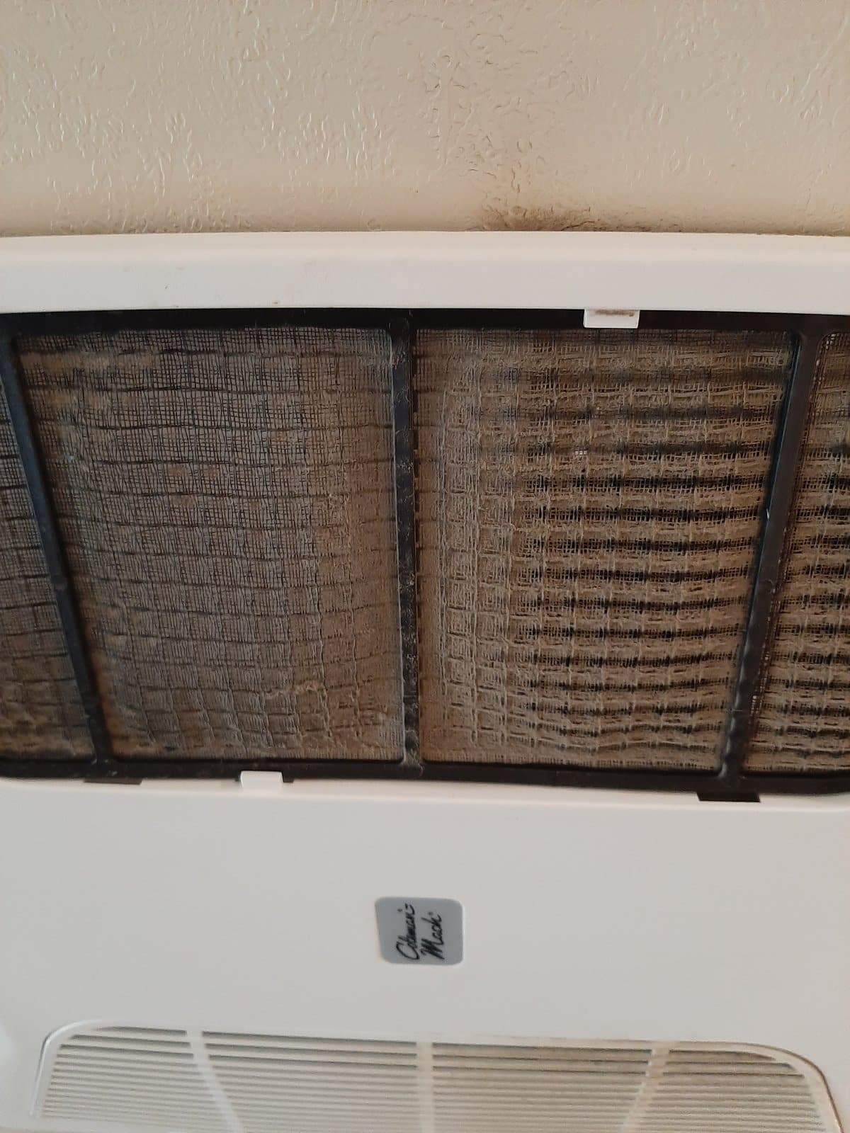How to Clean an RV Air Conditioner Filter